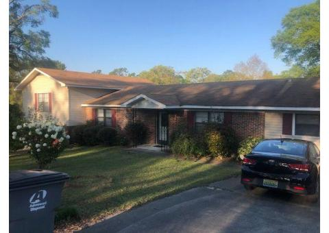 Estate sale of Lynda Malone